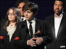 Michael Jackson's children Paris and Prince Michael gave a dignified speech